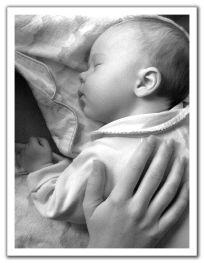 baby sleep on shoulder